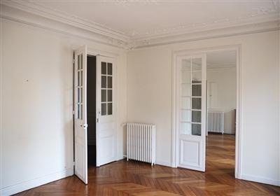 un architecte d 39 int rieur vous aide prendre votre d cision lors de votre achat immobilier nantes. Black Bedroom Furniture Sets. Home Design Ideas