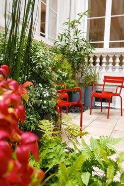 Un jardinier paysagiste aménage votre jardin, terrasse, balcon à Nantes