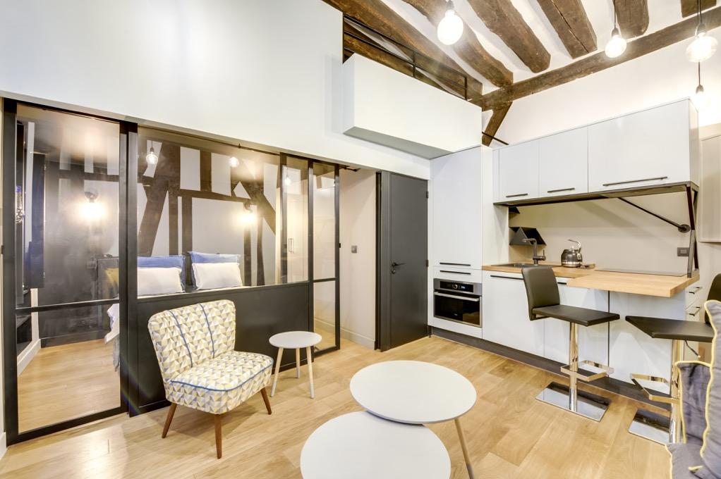 Transformation d'un studio parisien en appartement 2-3 pièces de villégiature